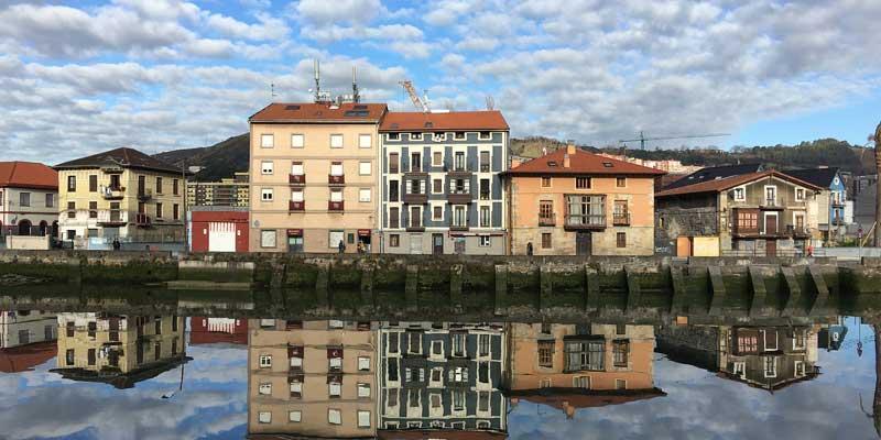 Bilbao plantea más viviendas en Olabeaga y excluir pisos-lonja en el centro