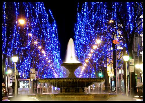 La decoración de Navidad se adelanta en Bilbao